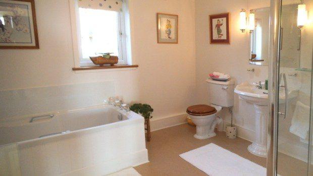 Highcroft-bathroom