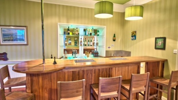Embo House bar